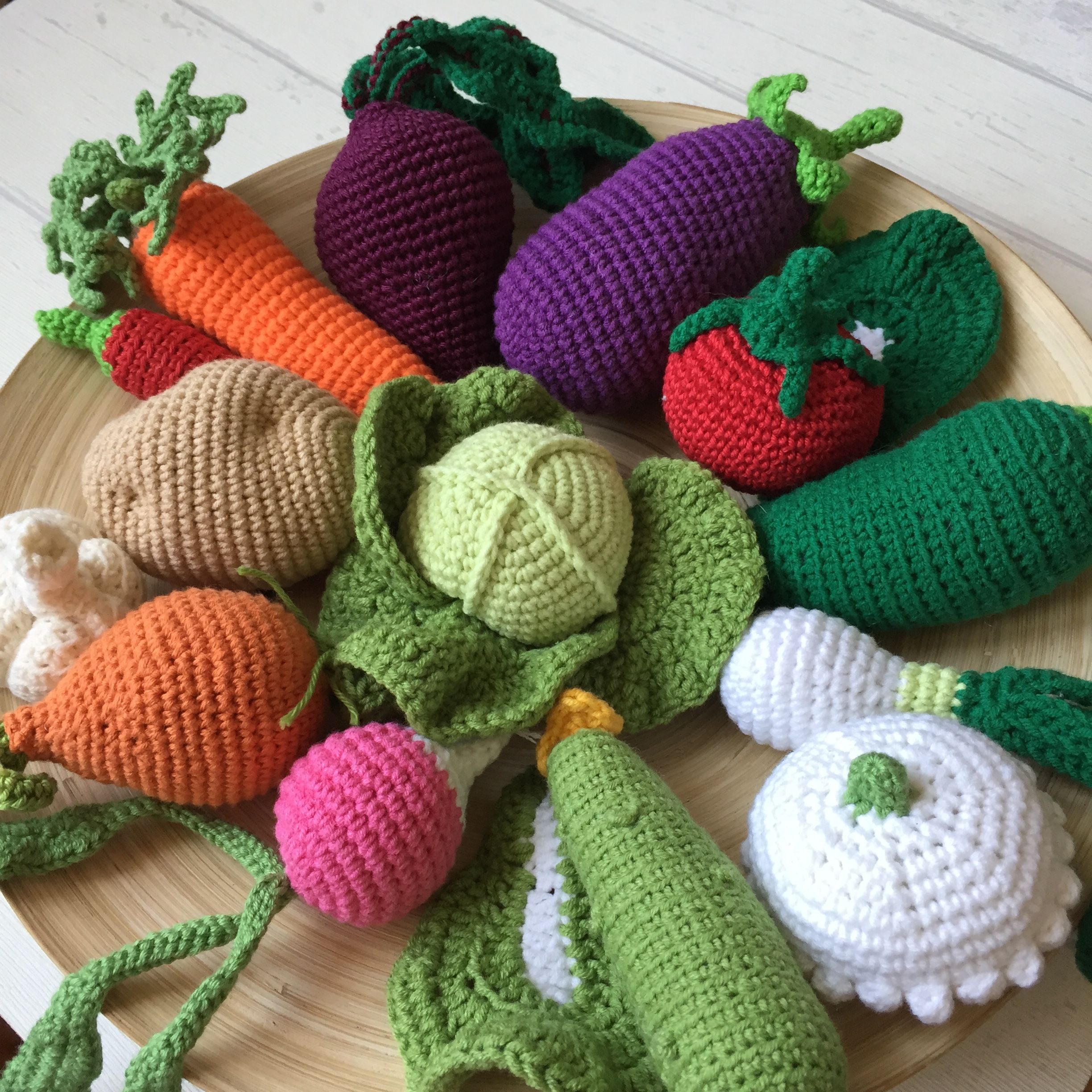 Admire These Adorable Fruits And Vegetables [Free Crochet Patterns For All  And The Basket | Crochet food, Crochet fruit, Crochet projects | 2448x2448