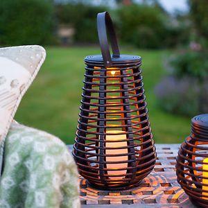 lanterne solaire grande en effet rotin led ambre pour. Black Bedroom Furniture Sets. Home Design Ideas