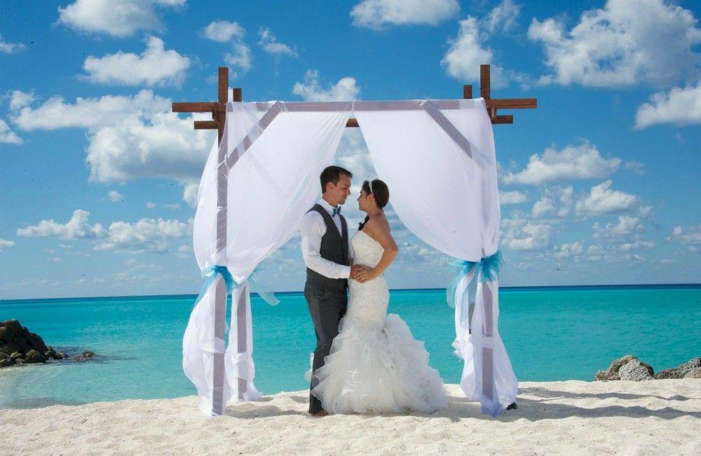 Bimini Blues captivate this beautiful Wedding at Bimini Sands, Bahamas