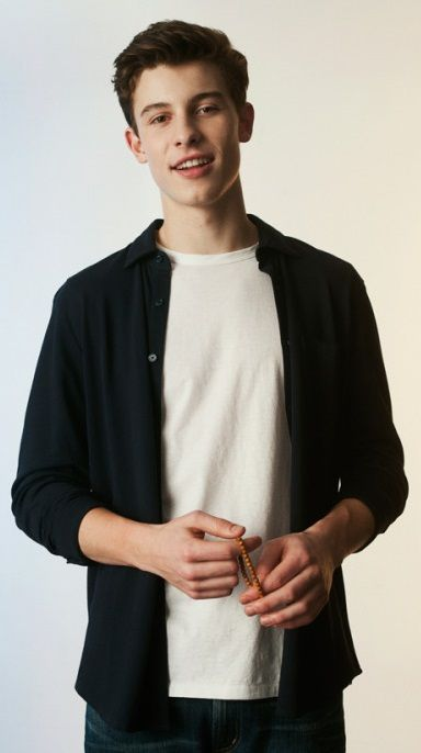 Shawn Mendes is to cute