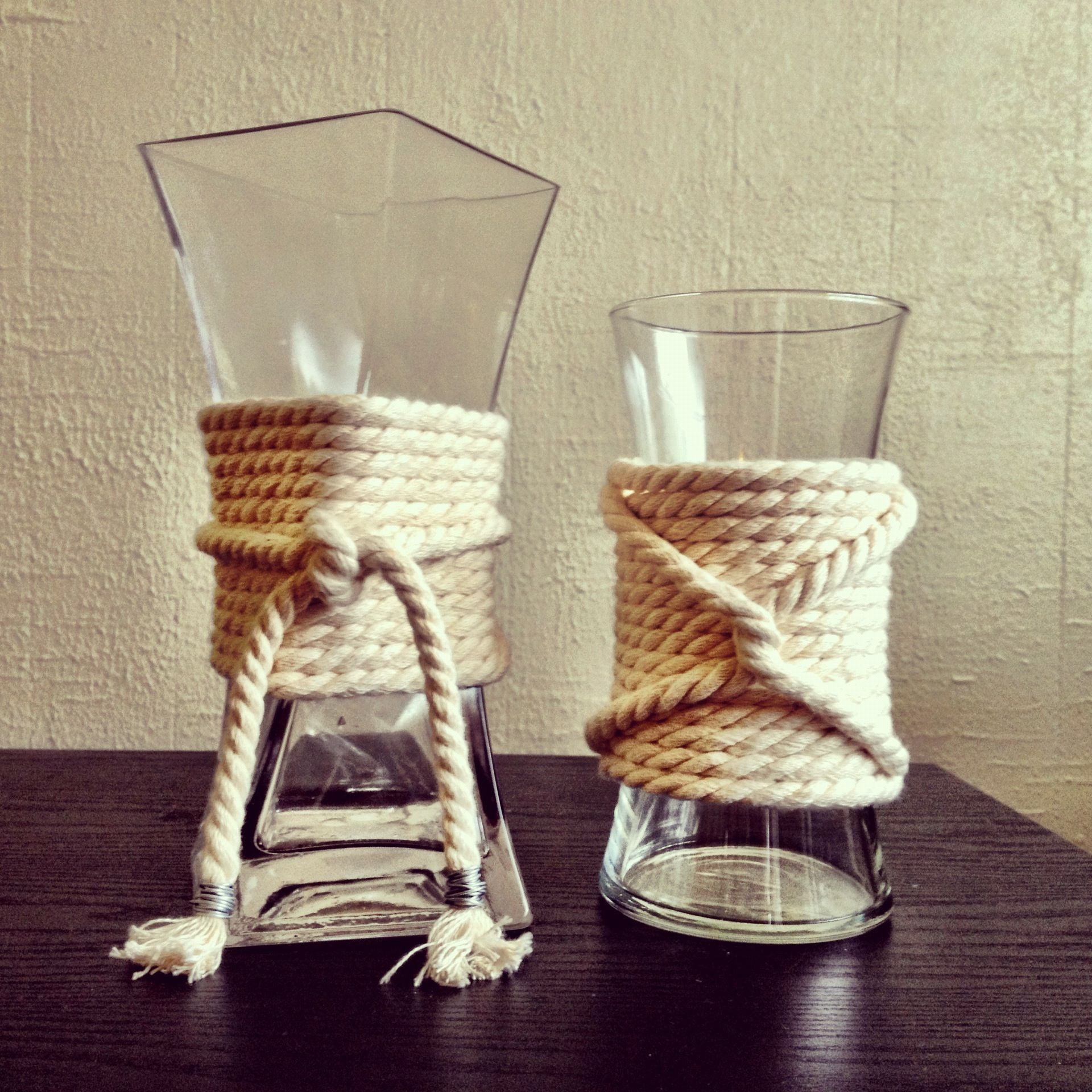 Nautical Decor Centerpieces: Nautical Rope Vases. Rope Warapped Candles?