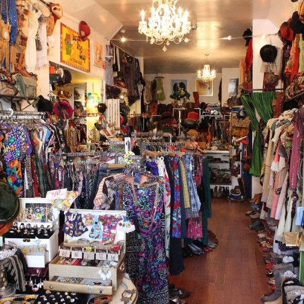 Lemon Frog Shop This Store Features A Wide Range Of Prices But Its Motto Is Reassuring Hundred Vintage Store Vintage Clothes Shop Vintage Clothing Display