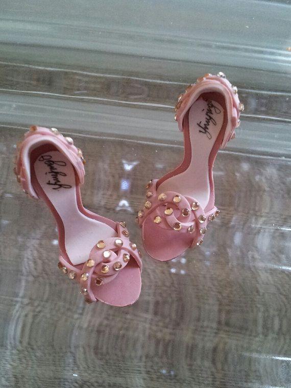 zapatos miniatura hechos a mano con diamantes de por YinyingO