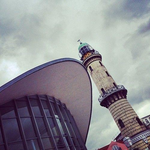 Der schiefe Turm von #Warnemünde #lighthouse_lovers #rostock #mecklenburg #ig_germany #architecture #lighthouse  (hier: Warnemünde Lighthous...
