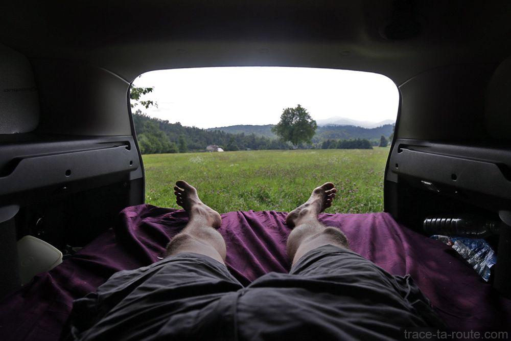 road trip comment am nager sa voiture break pour dormir dedans voiture break pour dormir et. Black Bedroom Furniture Sets. Home Design Ideas