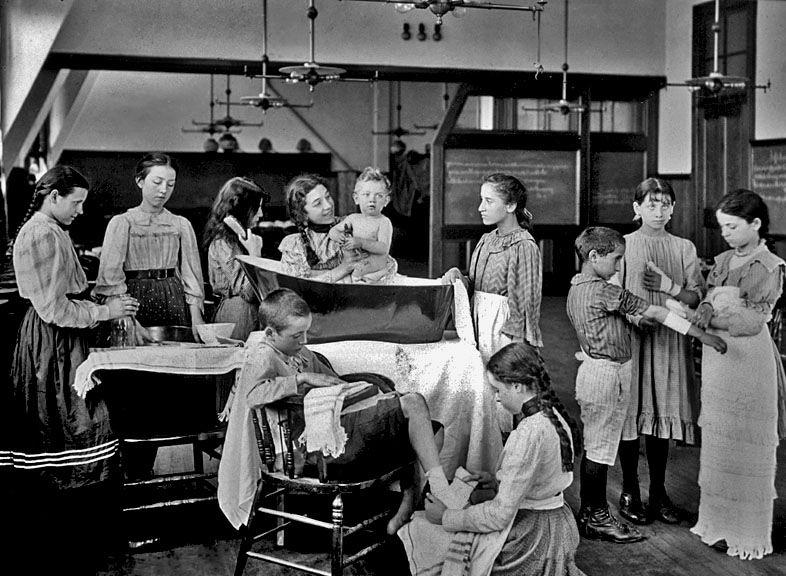 SCHOOL 1900 Girls in nursing class, Lower East Side