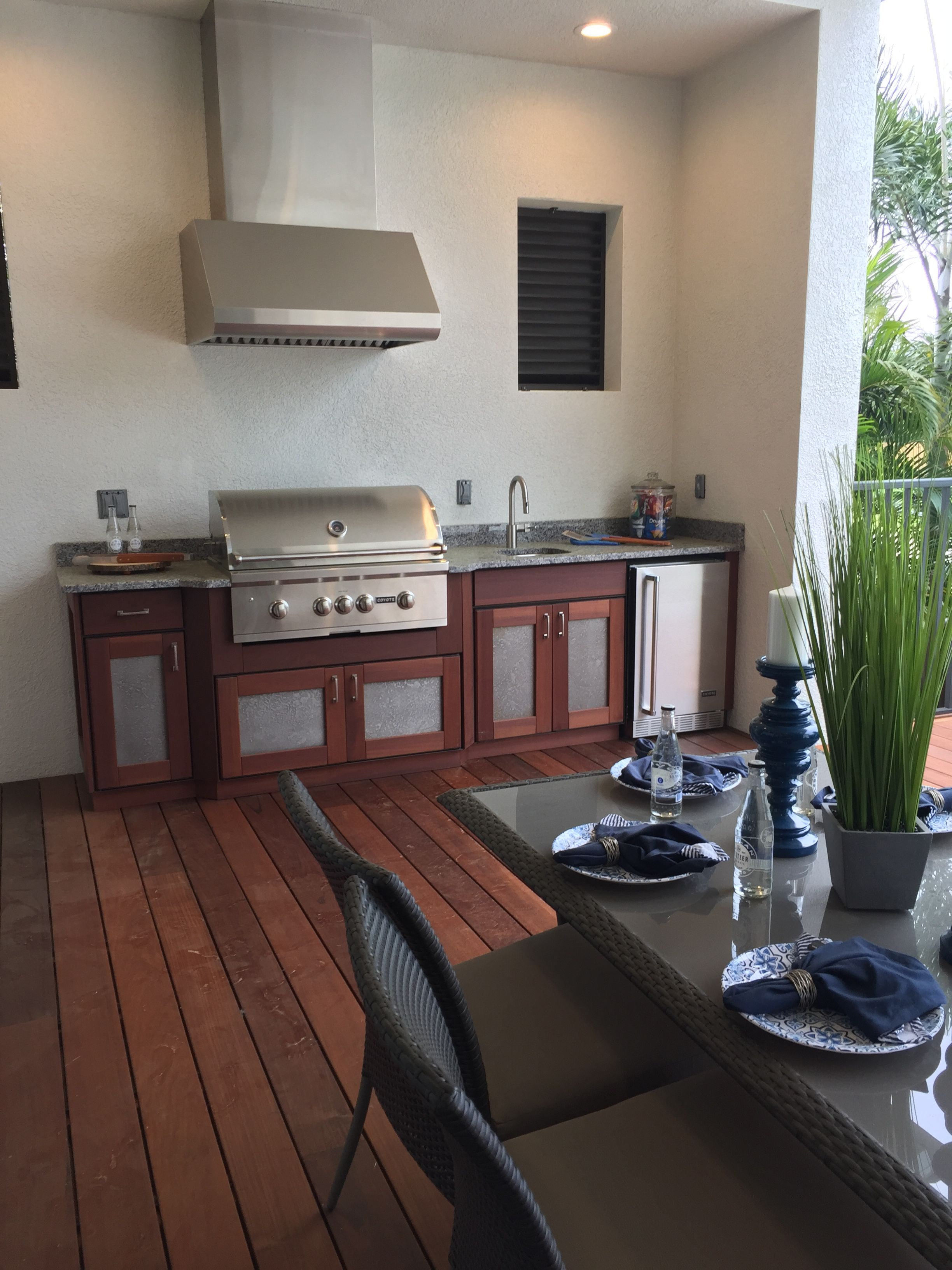 Pin By Lifestyle Outdoor Cabinets On Luxury Outdoor Kitchens Outdoor Kitchen Cabinets Outdoor Kitchen Luxury Outdoor Kitchen