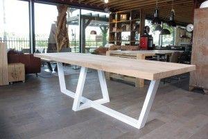 Wit Eiken Tafel : Zwaartafelen i bijzondere massief eiken tafel met wit stalen