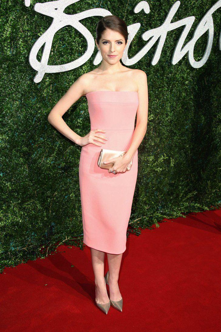 Pin for Later: Die British Fashion Awards halten was sie versprechen Anna Kendrick