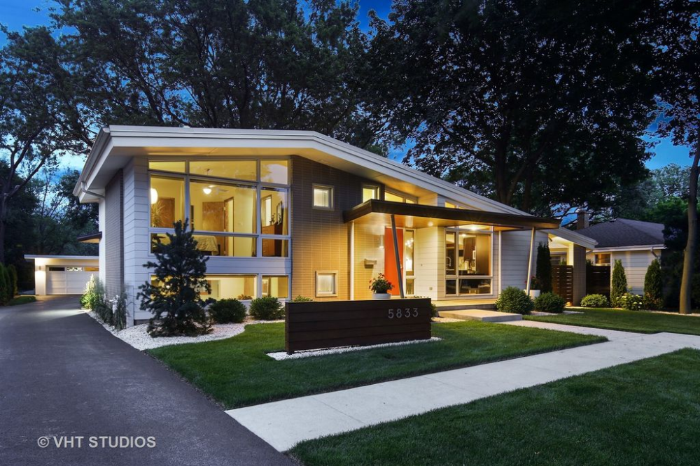 5833 Fairmount Ave Downers Grove Il 60516 Zillow Chicago Real Estate Mid Century Modern House House Styles