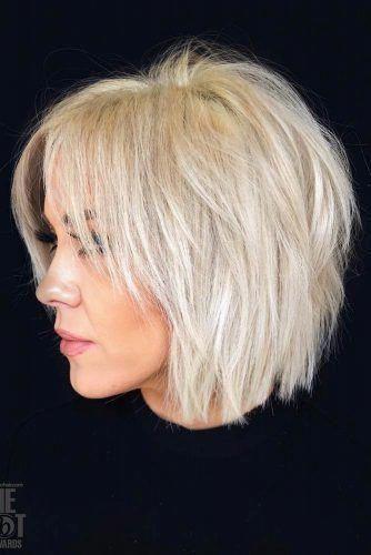 32 Layered Bob Hairstyles Add These Hot Layers To Your Haircut Now Frisuren Bob Frisur Bob Frisur Elegant