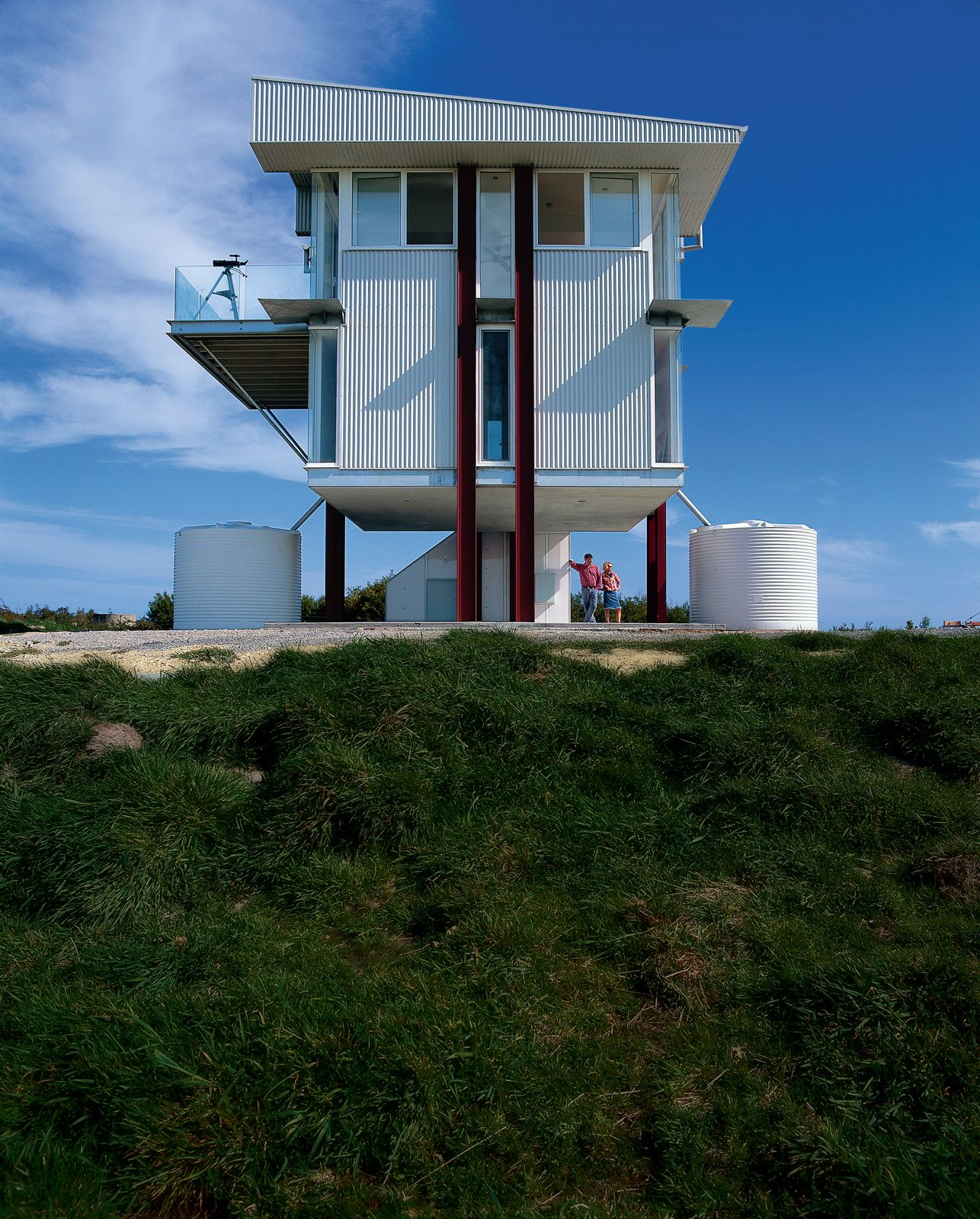 Peachy A Raised Steel And Glass Prefab In Southern Australias Download Free Architecture Designs Ferenbritishbridgeorg