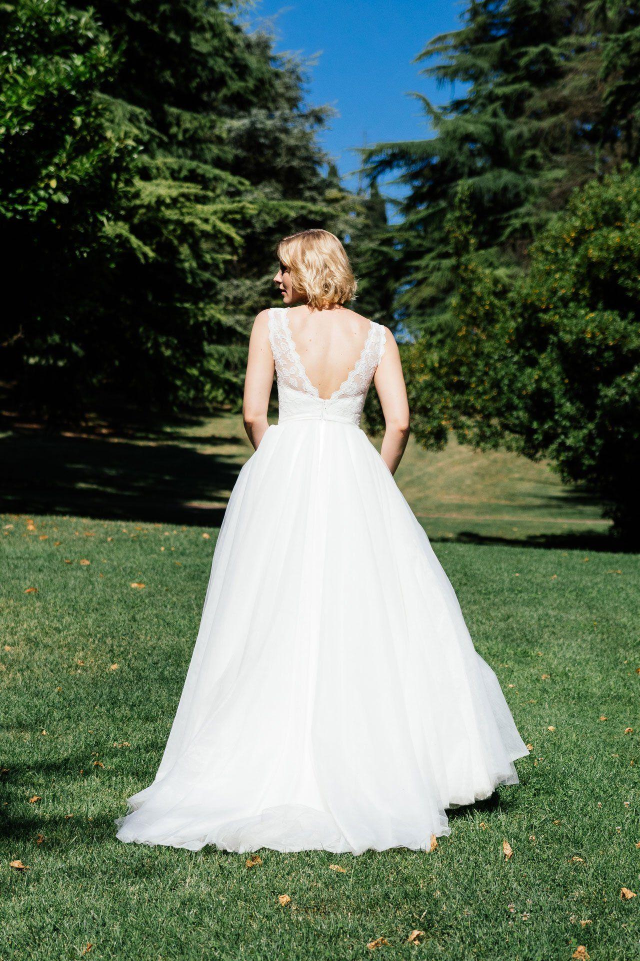 Duchesse Brautkleid mit weitem Tüllrock und Spitzencorage (mit