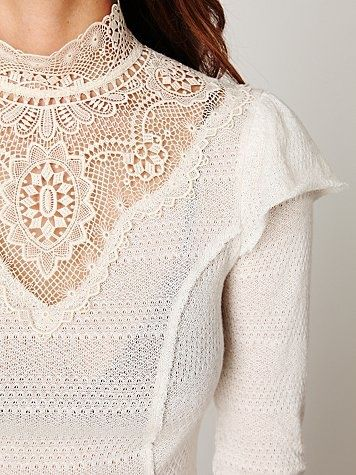 High Neck Victorian Lace Collar