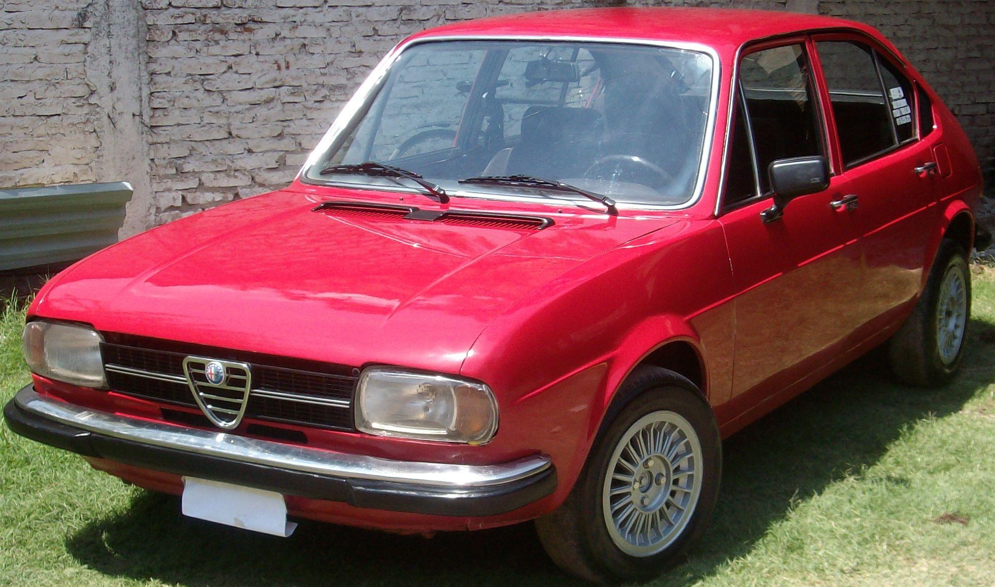 Alfa Romeo Alfasud Super.  http://www.arcar.org/autosantiguos.aspx?qma=alfa