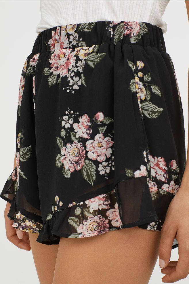 Ruffle-trimmed Chiffon Shorts - Black/floral - | H&M CA