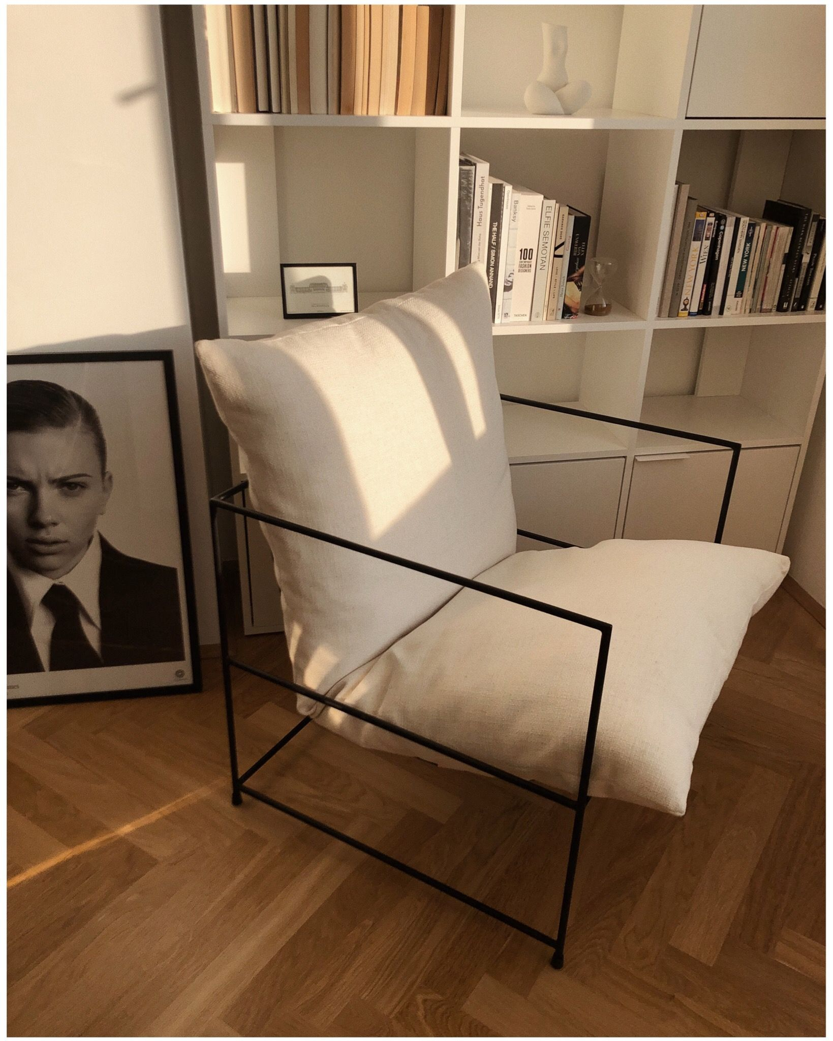 Photo of My Reading Nook – https://www.instagram.com/p/B5vUi9fF49-/