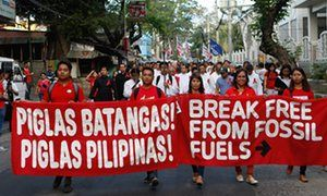 Philippines: Batangas citizens, anti-coal activists and environmental advocates gathered and marched from the Batangas Provincial Capitol towards the Lyceum of the Philippines University, to remind local candidates running for office to include the phase out of dirty energy in their platforms.