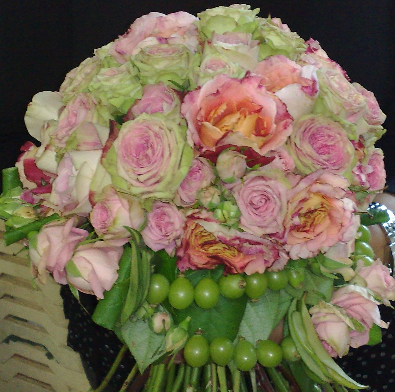 #bouquet con chicchi d'uva #anaphalisflowerdesign