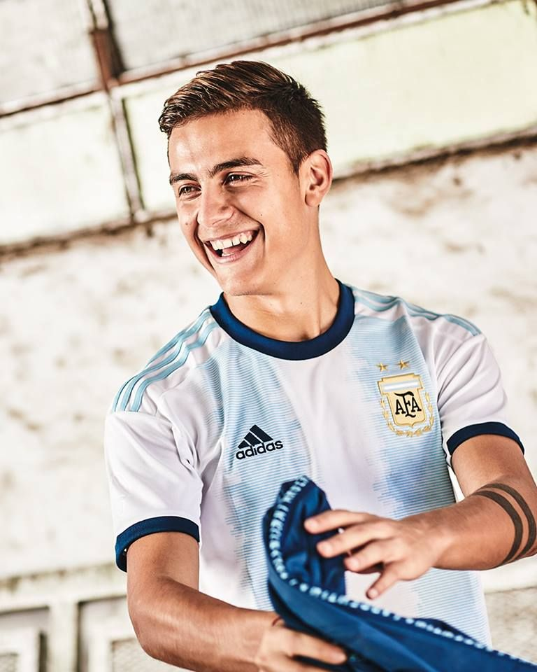 purchase cheap f6dd3 0a55c Paulo Dybala reveal Argentina's new Copa America kit Paulo ...