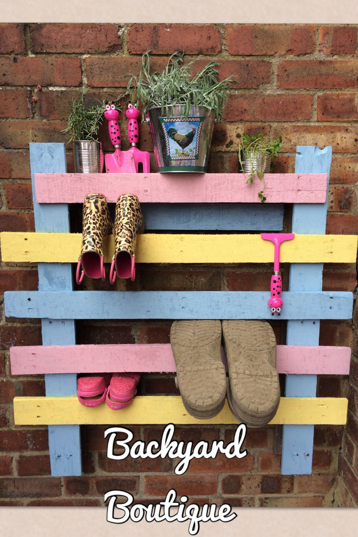 Hacked up and reassembled pallet makes a great garden boot storage rack. Hard work done by my husband painting and faffing about done by me! & Hacked up and reassembled pallet makes a great garden boot storage ...