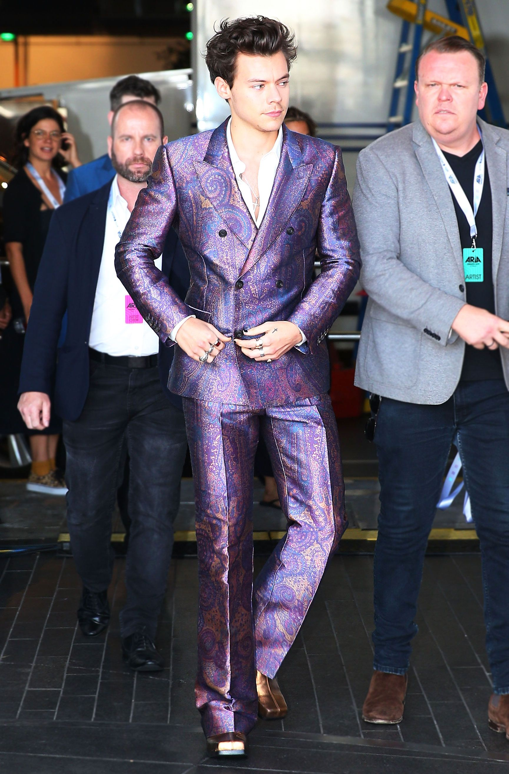 Met Gala Host Harry Styles Knows How To Rock A Party Suit
