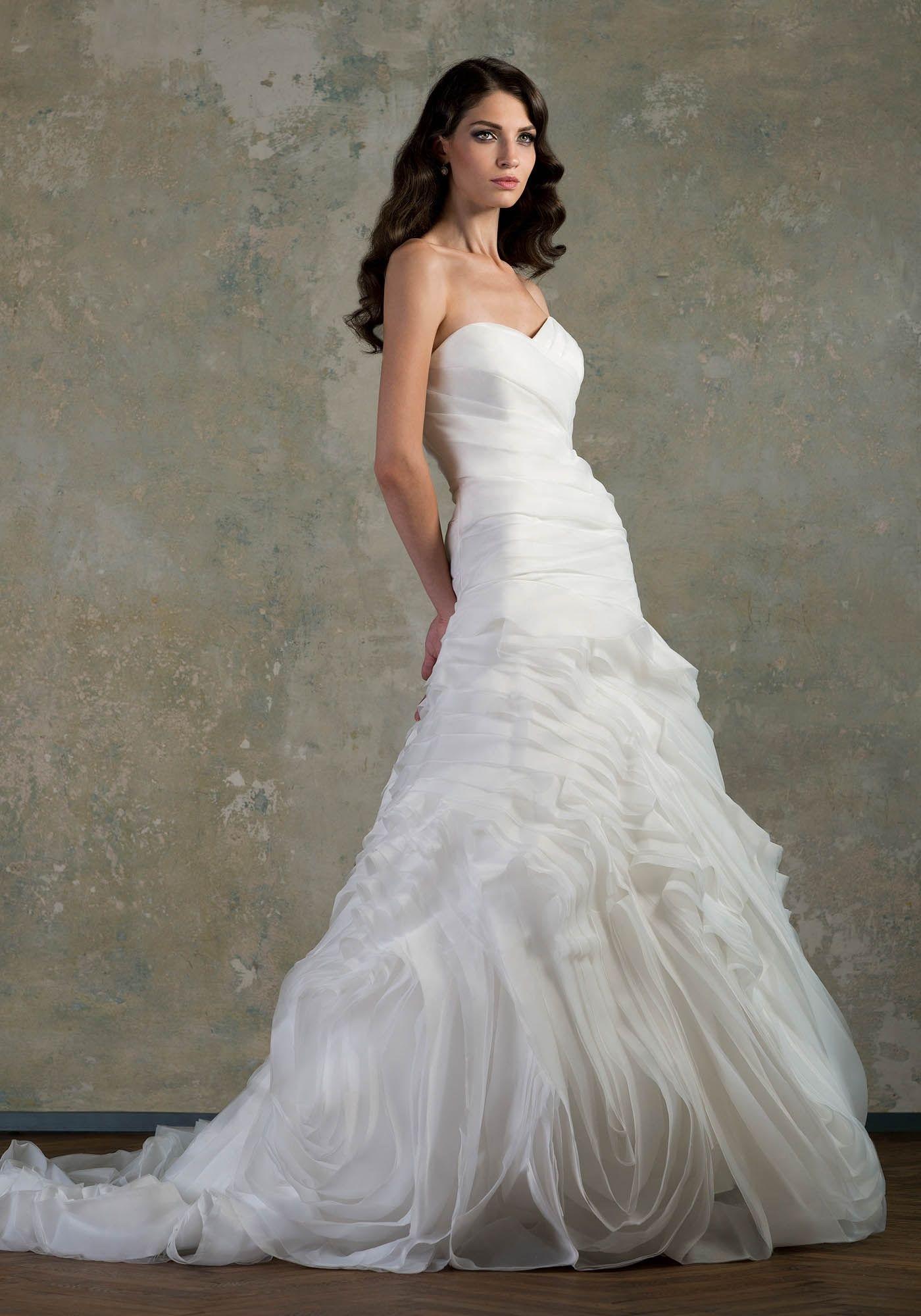 heart shaped wedding dress FIRST LOVE low waist heart shaped bodice ruffled wedding dress with long train