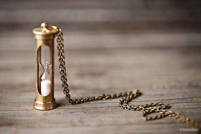 Hourglass necklace | Flickr - Photo Sharing!