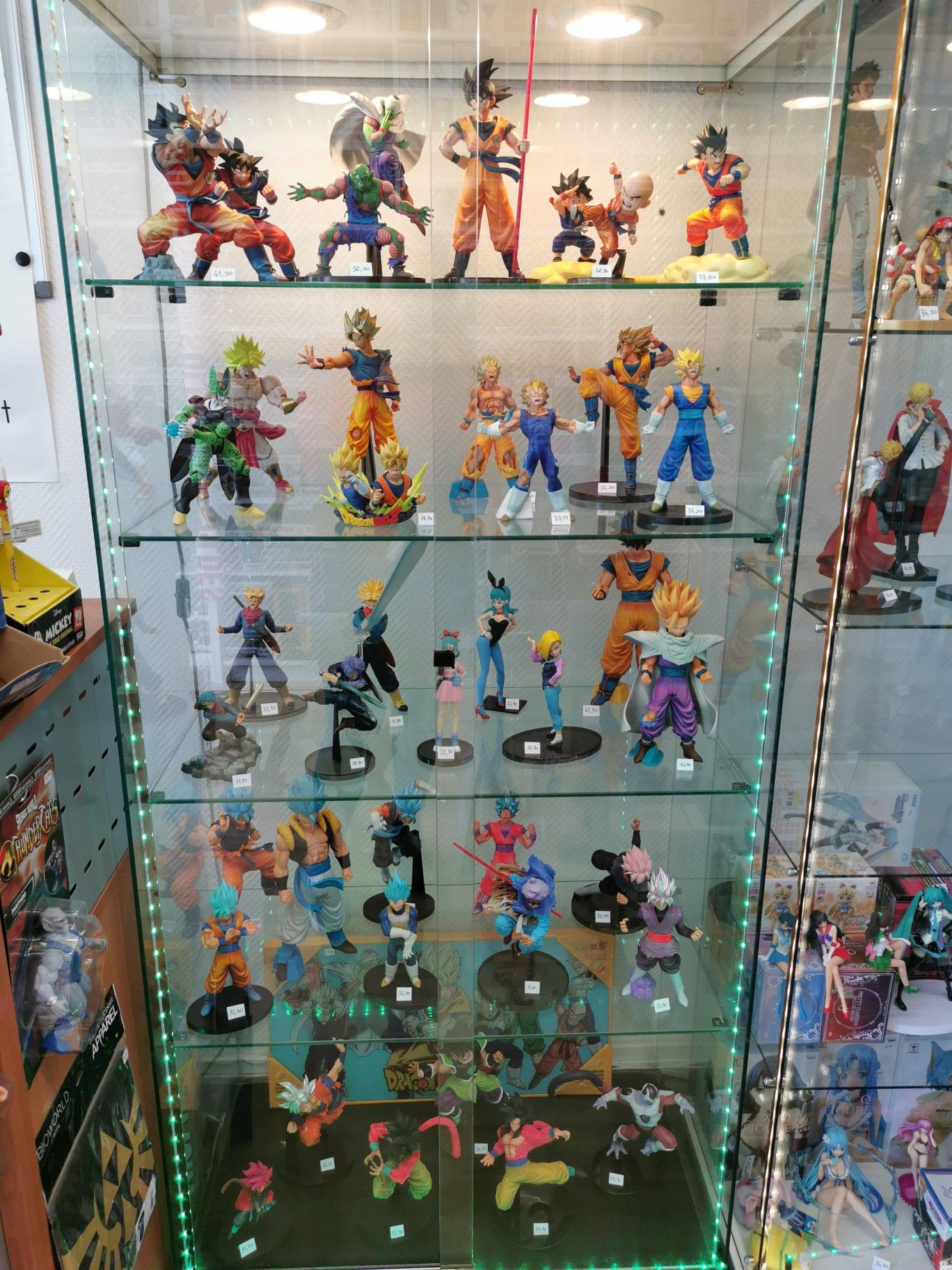 vitrine dbz marvel infinity figurine
