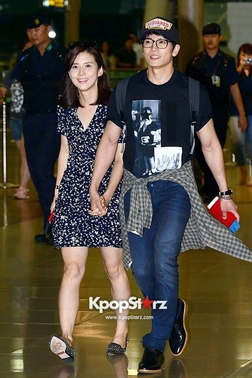 Lee Bo Young Ji Sung Baby : young, K-ent, Watch:, Byung, Welcome, Baby;, Takes, Young, Babymoon, Korean, Celebrity, Couples,, Celebrities,