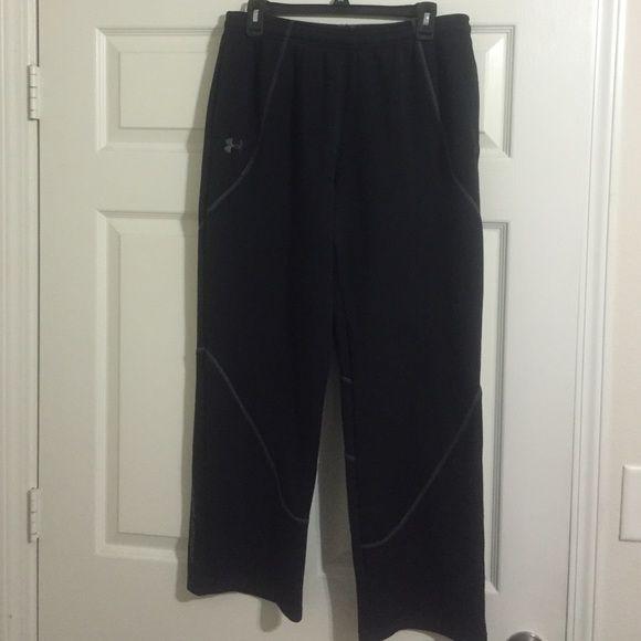 Men's Large Black Under Armor Sweatpants Men's Large black under armor sweatpants. They're in great shape, I just grew out of them. Under Armour Pants