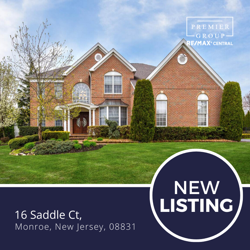 Newlisting Welcome To The Luxurious Desirable Monroe Hunt In Monroe Nj Built By Toll Brothers This In In 2020 Brick Exterior House Exterior Brick Toll Brothers