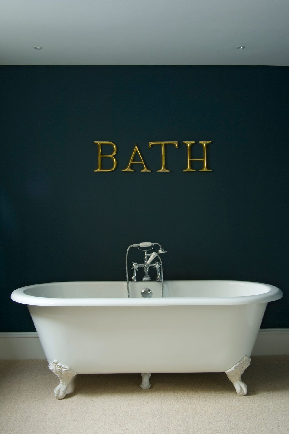 Colours Hague Blue Farrow Ball I Want This In My Bedroom Dark Blue Bathrooms Hague Blue Bathroom Paint Colors