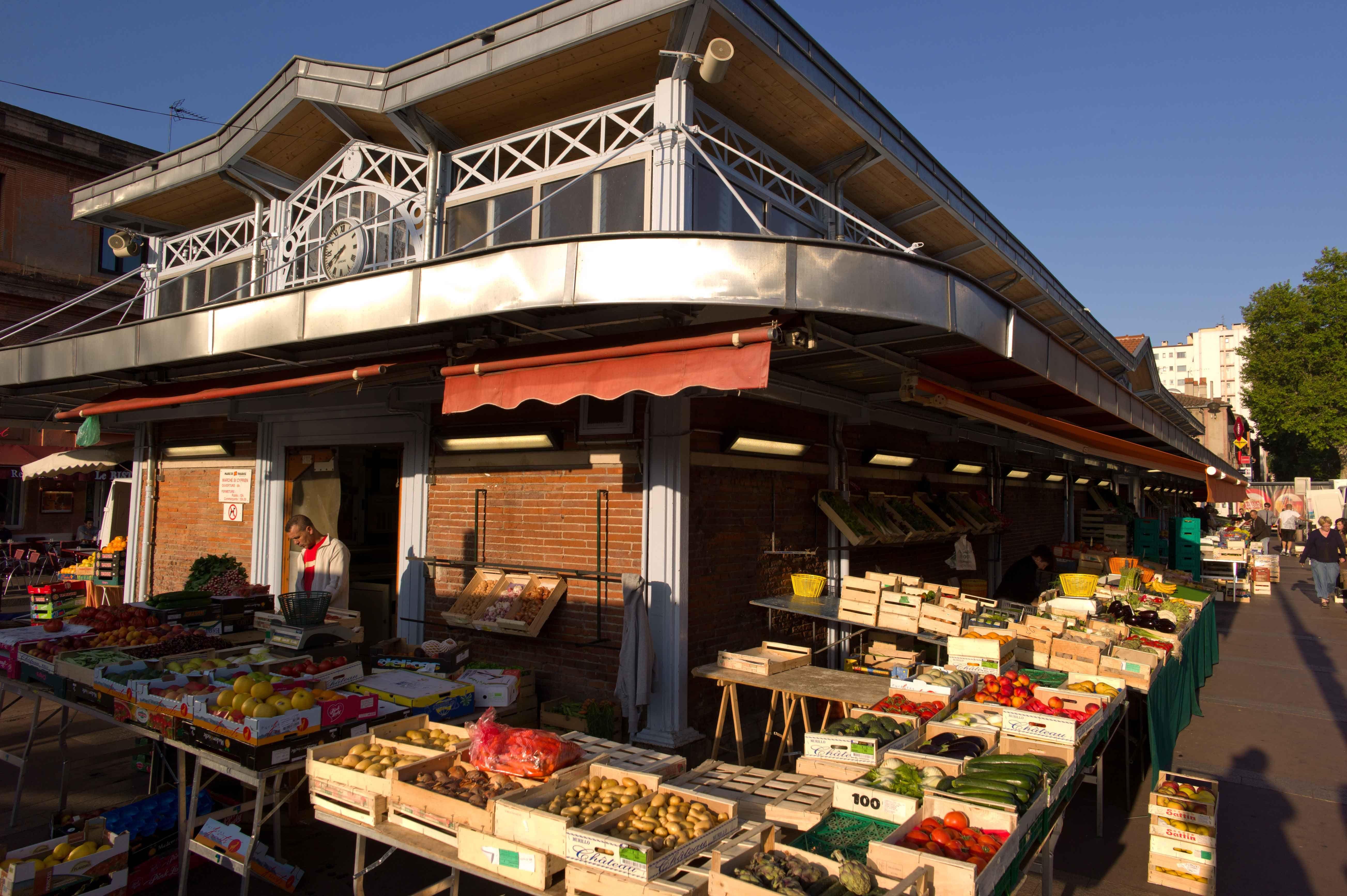 Marche Couvert Saint Cyprien Alimentaire Place Roguet Du Mardi Au Dimanche De 7h00 A 13h30 35 Exposants Metro Lig Marche Couvert Toulousaine Mairie De Toulouse