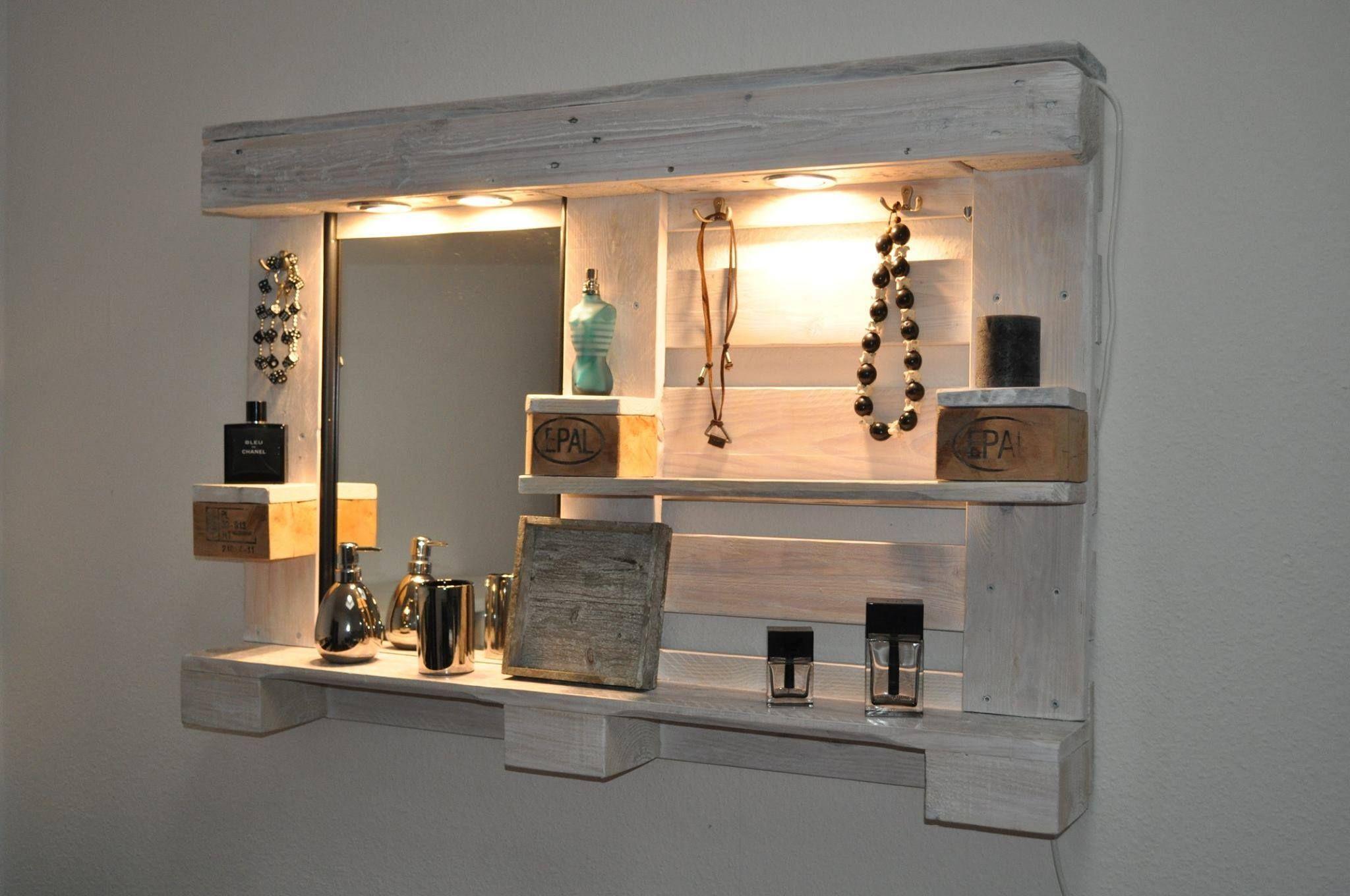 Palettenmöbel Spiegelschrank Weiß Schminktisch   Wunderschöner  Spiegelschrank Und Schminktisch Aus Alten Und Gebrauchten Paletten.