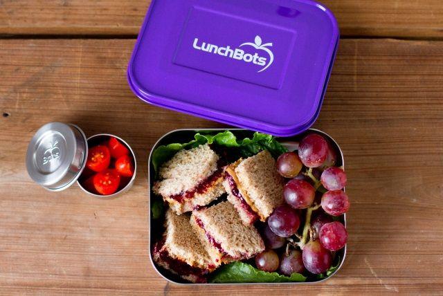 http://www.lunchbots.com/lunch-menu-ideas/one-week-of-sandwich-makeovers/