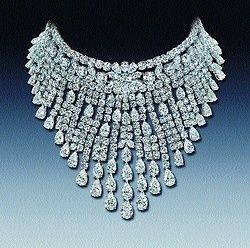 Extravagant Diamond Jewelery | diamond necklaces