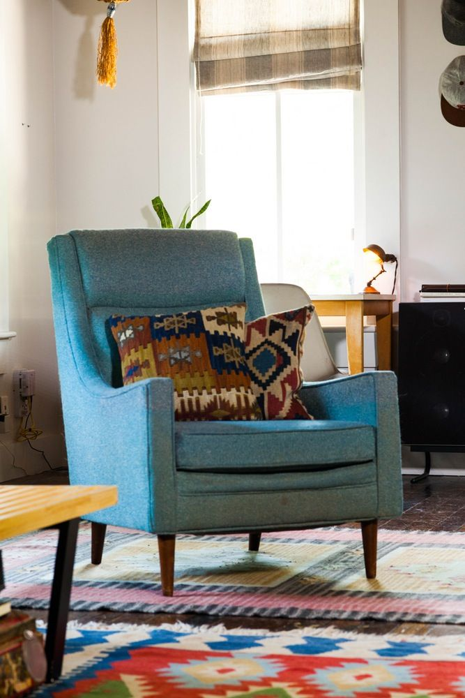 Video House Tour Texas Minimalism In East Austin Pinterest Stunning Austin Vintage Furniture Minimalist