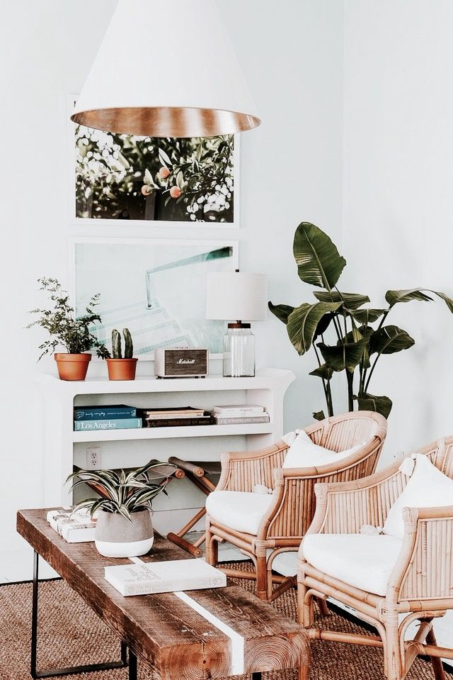 Living Room With Lots Of Wooden Elements And Books In A White Shelf White Copper Lamp Http Amzn To 2tmdriw Deco Agencement Du Mobilier Deco Maison