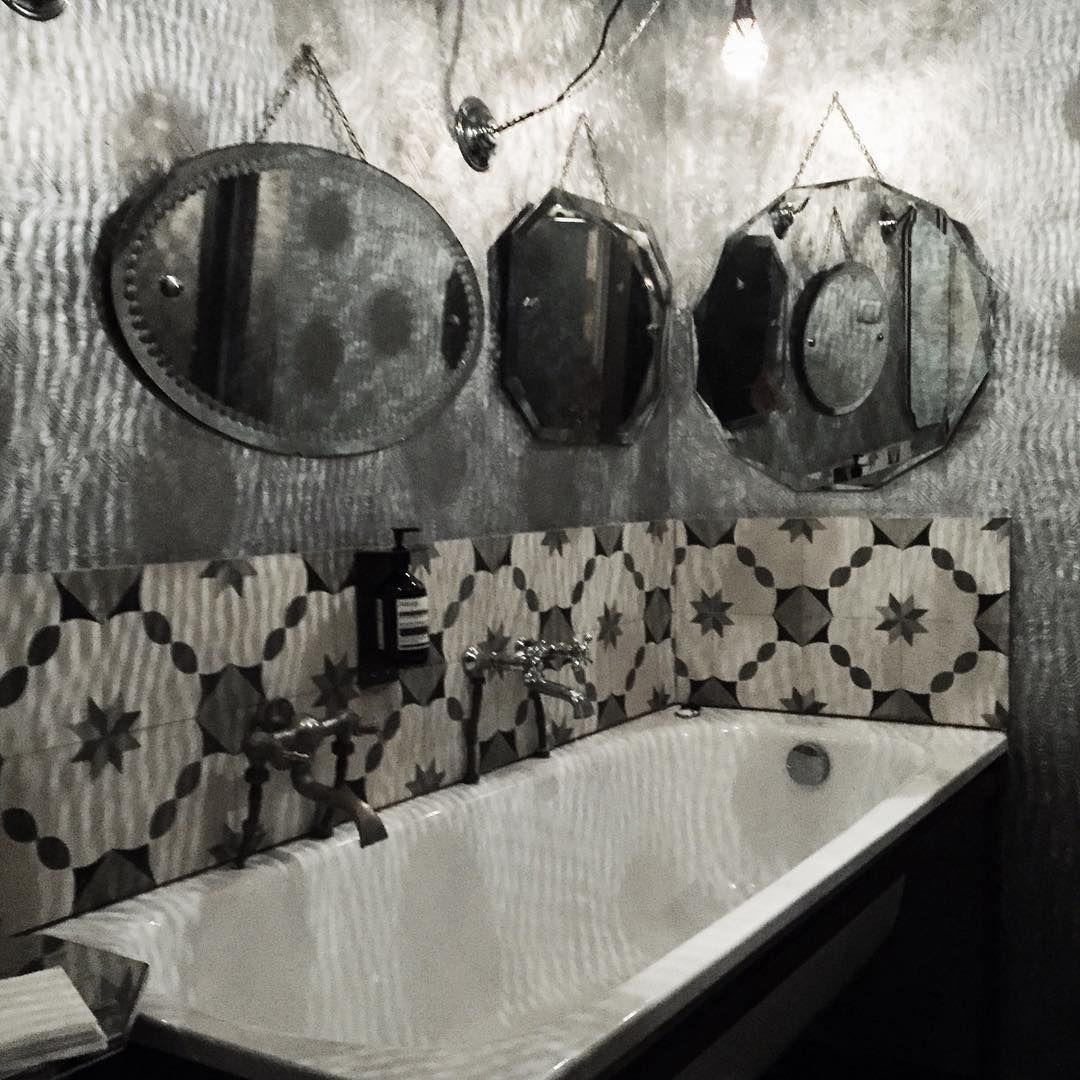 Bathroom love!