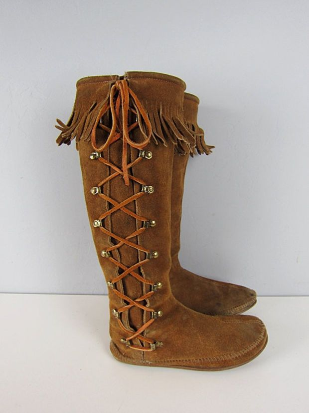 a17f95e7bef39 Vintage Minnetonka Tall Suede Leather Fringe Moccasin Boots Hippie Knee  High Moccasins size 6
