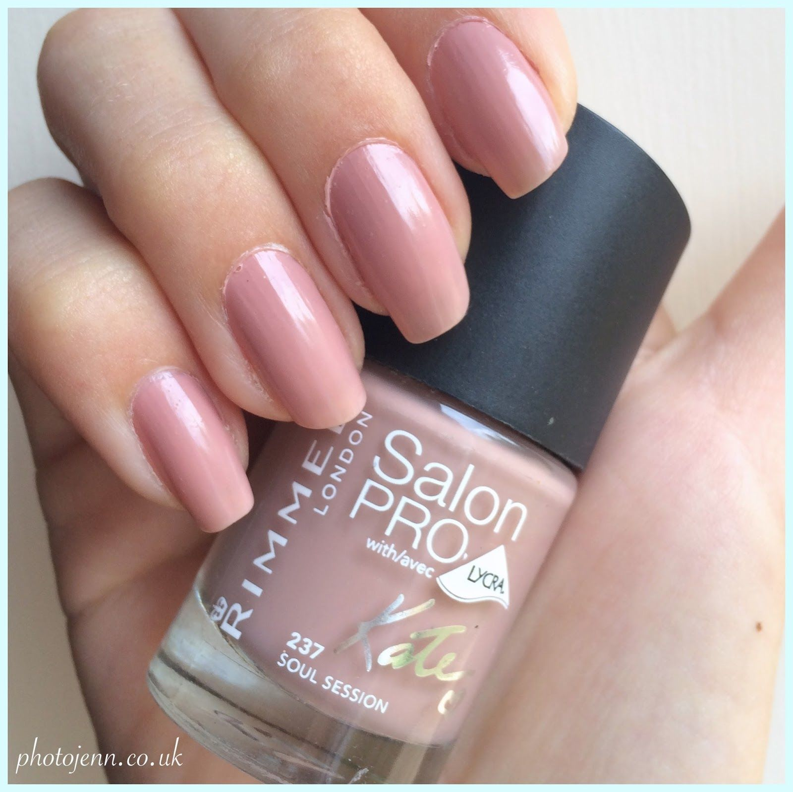 Rimmel-Kate-Moss-Nude-collection-salon-pro-nail-polish