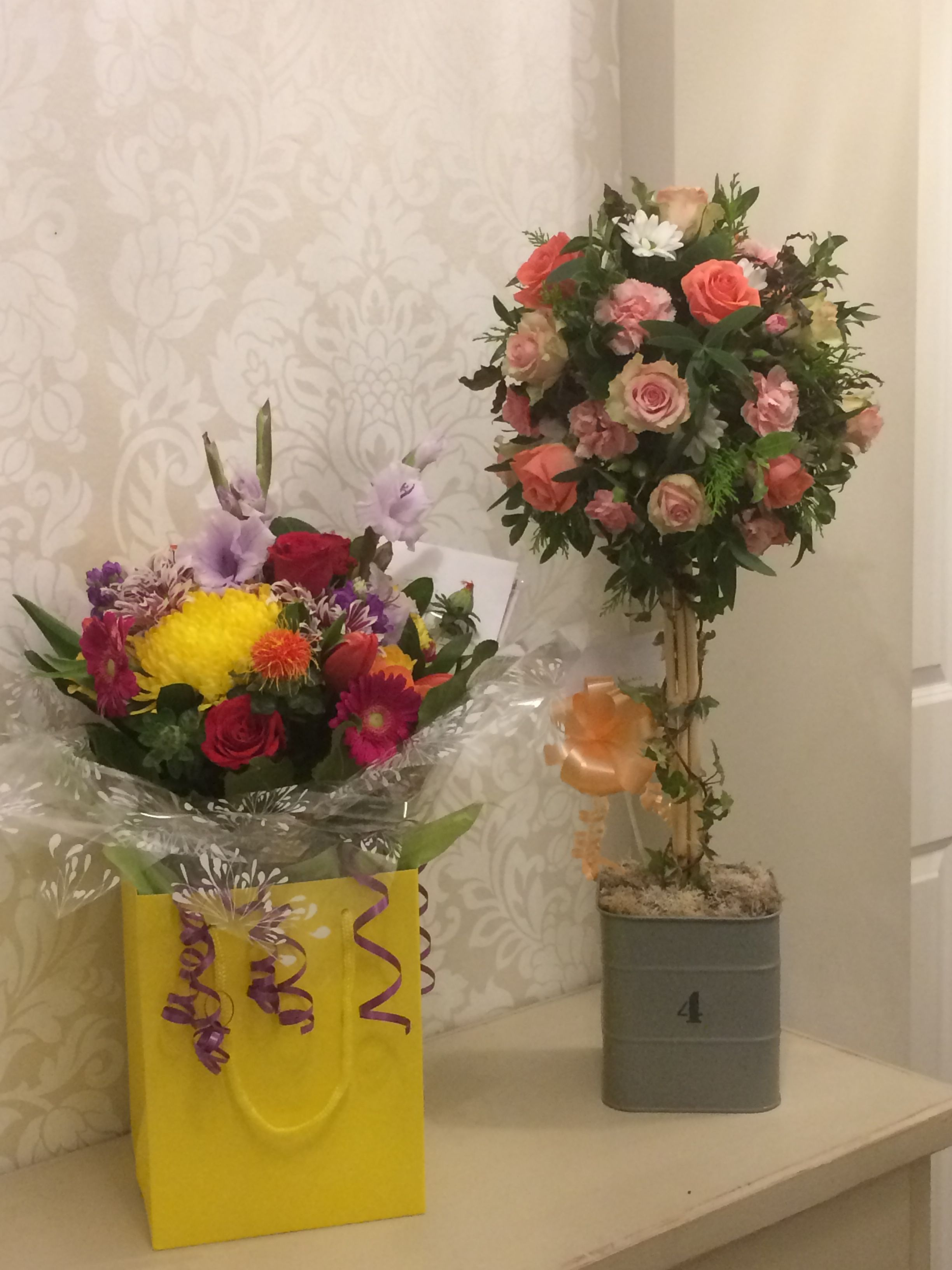 Gorgeous fresh flower gifts hand tied bouquet and a fresh flower gorgeous fresh flower gifts hand tied bouquet and a fresh flower topiary from willow house izmirmasajfo