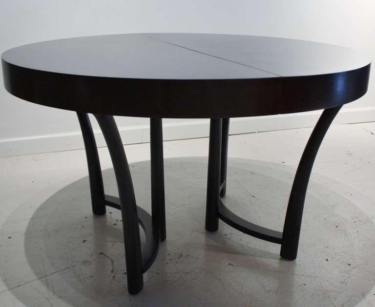 T H Robsjohn Gibbings Expandable Round Dining Table 1stdibs Com Round Pedestal Dining Table Dining Table Round Extendable Dining Table