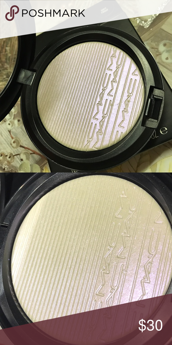 """MAC Extra Dimension Skinfinish / Soft Frost Never swatched. Pearlescent """"icy"""" lavender shade. MAC Cosmetics Makeup Luminizer"""