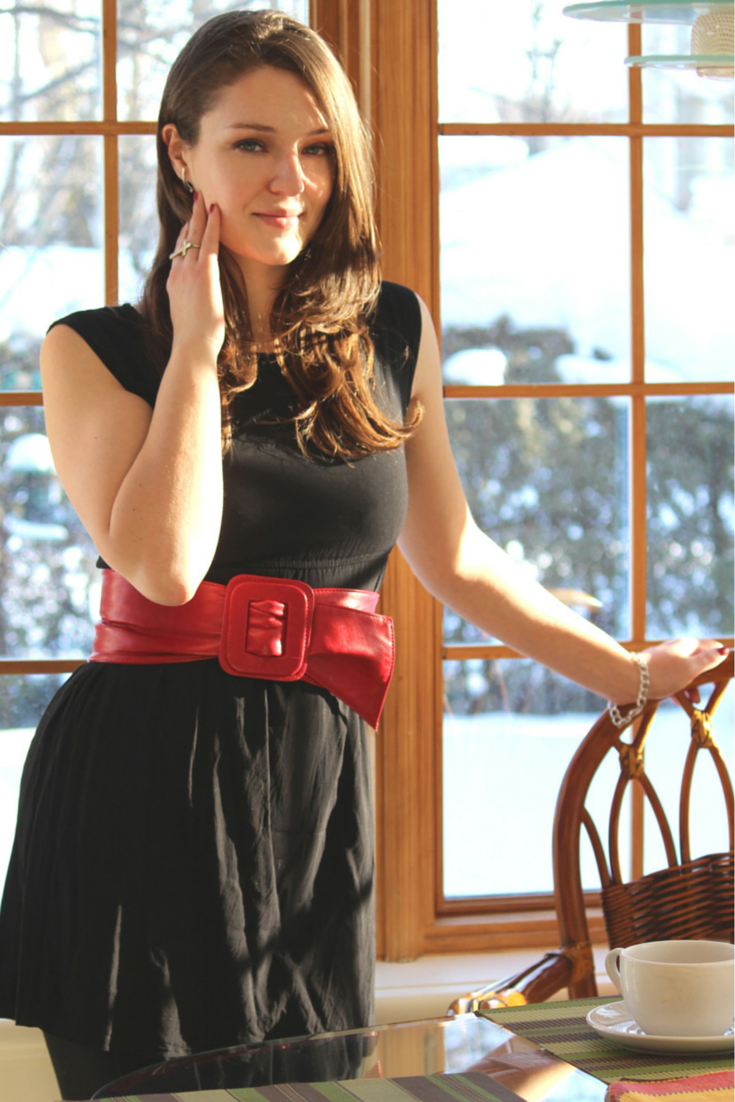 Style post : Black with a touch of red on @lazyfashionista