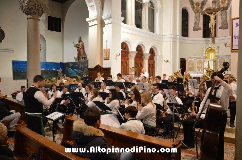Concerto Natalizio 2015 Gruppo Bandistico Folk Pinetano