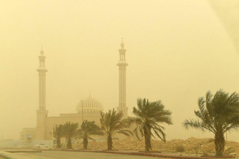 دعاء الرياح والغبار المستحب عن الرسول Cn Tower Landmarks Tower