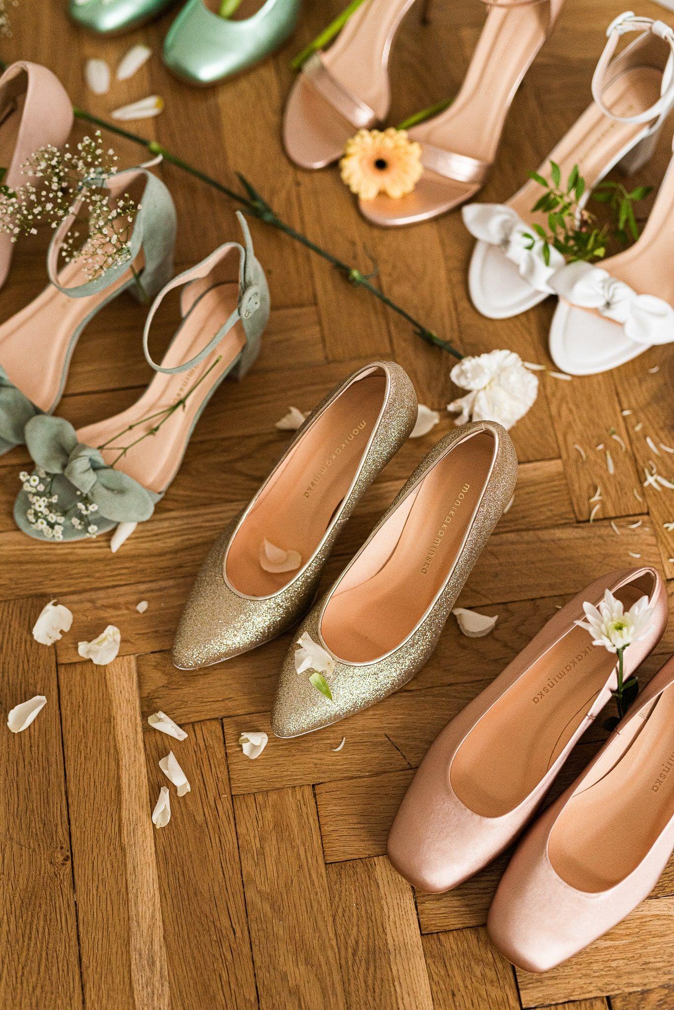 Pin Su Dla Panny Mlodej Wedding Dress And Shoes