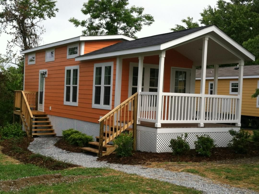 Small Tiny Bungalow House Model A67: Fleetwood Virginia Showing Off An Exclusive Resort